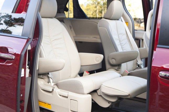 2011 Toyota Sienna Limited V6