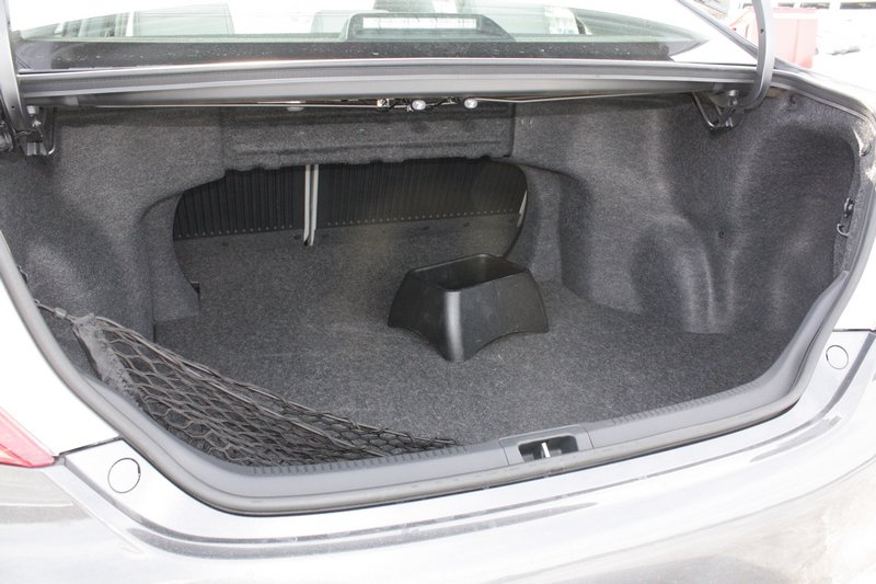 2012 toyota camry trunk dimensions