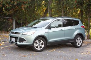 2013-ford-escape-se_cc_004