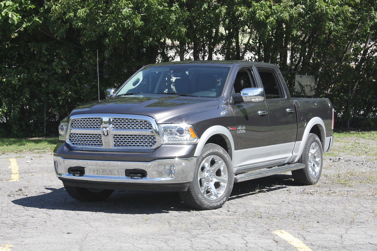 straight eight 2014 ram 1500 ecodiesel chris chases cars. Black Bedroom Furniture Sets. Home Design Ideas