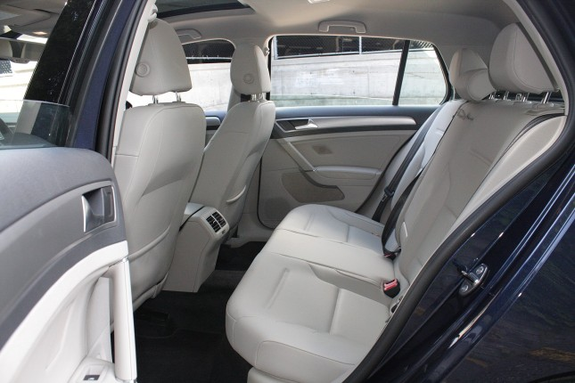 2015 Volkswagen Golf back seat