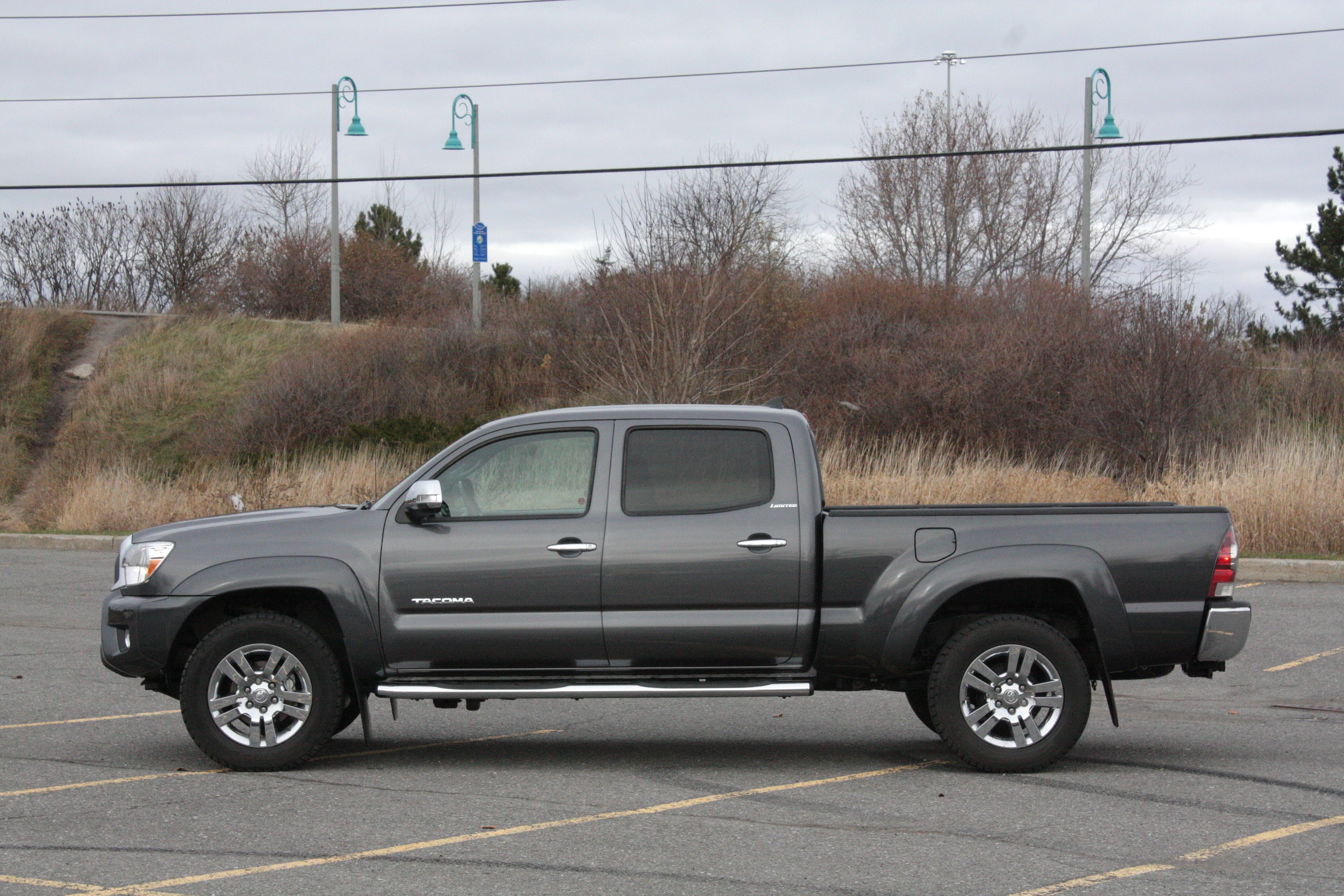 straight eight 2015 toyota tacoma chris chases cars. Black Bedroom Furniture Sets. Home Design Ideas