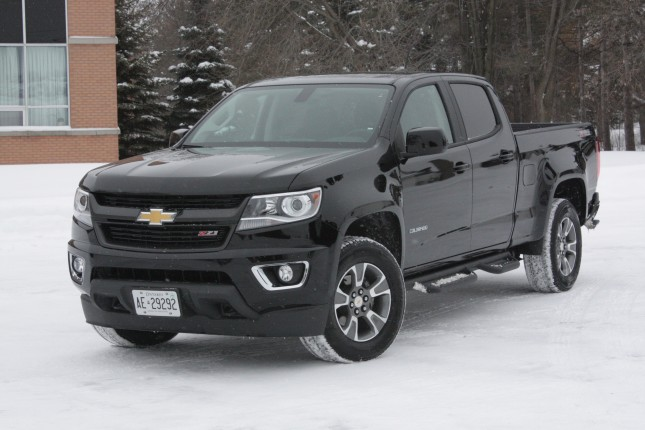 2015-chevrolet-colorado-chase-003