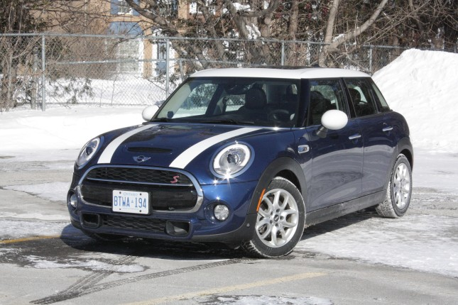 2015-mini-cooper-s-5door-chase-003