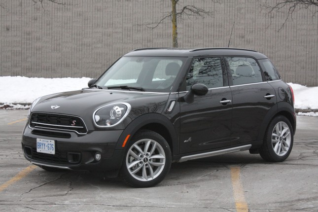 2015-mini-countryman-chase-001